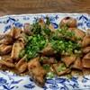 米久 - 料理写真:ホルモン焼き。