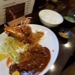 とんかつひろ喜 - ご飯もボリューミー(ちとブレてる(^_^;))