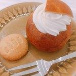 フィーカファブリーケン - 料理写真:スウェーデンの伝統菓子「セムラ」