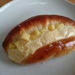わたなべパン - 焼きチーズパン(150円)