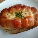 わたなべパン - ちくわパン・のりチーズ(210円)