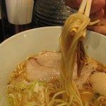 とんこつ らぁ麺 CHABUTON  - 味玉豚骨らぁ麺/麺は細めのストレート