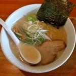麺や 白 - しょうゆ(※500円)