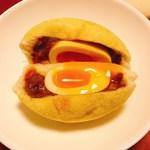 80502423 - とろ~り半熟卵のカレーパン