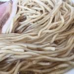 ヌードルキッチンキョウ - 全粒粉麺アップ