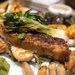 わいん食堂 Chez とし - 2018.2 特大!フランス産ピエールさんのバスク豚 Lボーンステーキ(6,400円)