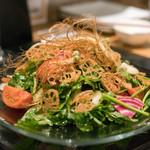 わいん食堂 Chez とし - 2018.2 パクチーと砂肝のサラダ(1,350円)