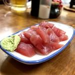 すき焼・鍋物 なべや - まぐろのすき身¥300ボリュームあるし美味しい