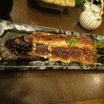 うな富士 - 天然鰻の長焼き(春)