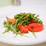シシリヤ - トマトとルッコラのサラダ