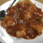 紅四季 - 料理写真:生ビールセットのエビチリ