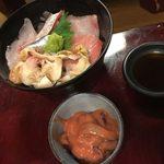 居酒屋 燔 - 海鮮ミニ丼とイカの塩辛