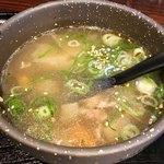 """ホルモン係長 - """"スープ""""のアップ。具沢山で量も多い。"""