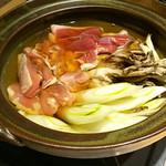 80520252 - セリ鍋には鴨やさくらんぼ鶏、舞茸も