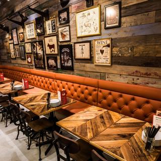 開放的な空間でお食事をお楽しみ頂けます!テラス席もご用意あり