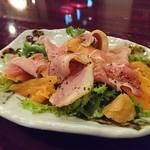 Bistro Dining Daiba屋 - ボリューム満点コブサラダ