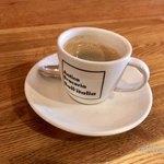 アンティカブラチェリアベッリターリア - ミニコーヒーで一息。