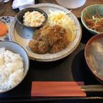 80526294 - 牡蠣フライ定食と牡蠣汁のセット