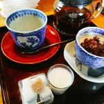 シロクマ食堂 - ランチのデザートセット  豆乳小豆プリンに紅茶