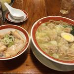 広州市場 - チャーシューご飯とワンタン麺