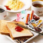サクラカフェ神保町 - お代わり自由の朝食は390円。毎日4:30-11時まで!