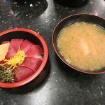 廻鮮寿司処 タフ - 鉄火丼