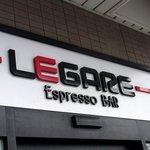 エスプレッソバー レガーレ - Espresso BARって書いてあるところがニクイですよね。 いい感じです。