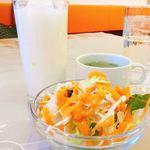 プラシッダ - サラダ・スープ・ラッシー