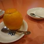龍鳳閣 - オレンジのアイスクリーム