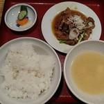 居酒屋 三平 - ホルモン定食780円