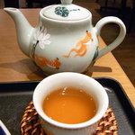 バイン・ミー 70 - ハス茶
