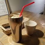 山cafe - 「ミックスジュース (650円)」はバナナの香りがすっごい♪