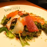 SHUTTERS - 本日のサラダ(シーフードのお刺身サラダ)