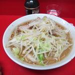 ラーメン二郎 - 料理写真:ラーメン(麺半分)650円
