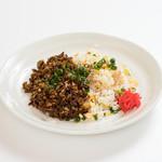 麺家 不忘 - ほわぶら2色チャーハン(白と黒の競演)