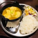 インドカレー&アジアンダイニングどんのば - スープカレーぎょうざセット(680円)