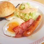 ジョイフル - 料理写真:モーニングエッグプレート459円 スープバー99円