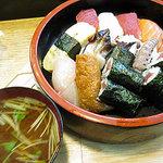 丸八寿司 - 寿司一半ランチ