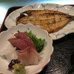 海幸楽膳 釜つる - 定食干物と刺身