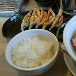 麺屋 壱心 - 壱心餃子(350円)、半ライス(100円)