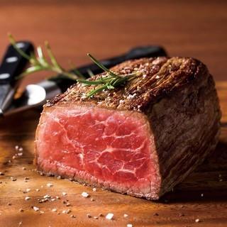 毎月29日は「肉の日」!名物、サーロインのオーダーカット半額
