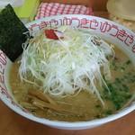 ラーメン ゆうきや - 赤味噌ネギラーメン(860円)