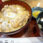 司津屋 - 葱抜きでお願いした親子丼
