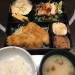 むつ湊 - おまかせランチ(タラフライと鶏の粕漬け) 850円