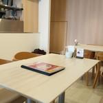 自家焙煎珈琲 ICHI no KURA coffee&soft cream - 店内座席