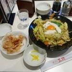 餃子の王将 - 料理写真:極王焼そば680円