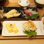 和洋台所 よつ葉 - 料理写真:よつ葉おばんざい定食