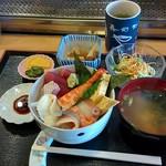 Yayoi - ランチ海鮮丼(850円)