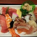 80567072 - 海鮮丼 (ご飯とは)別盛り 並み 850円