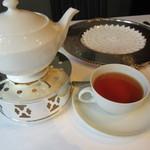 銀座 ハプスブルク・ファイルヒェン - セットの紅茶(アールグレイ)